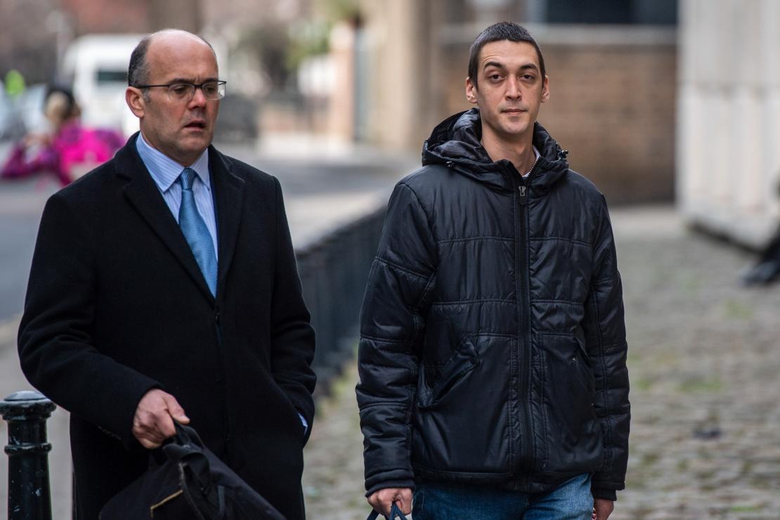 Дэниел Кайе (справа) перед оглашением приговора в Великобритании 11 января 2019 года.