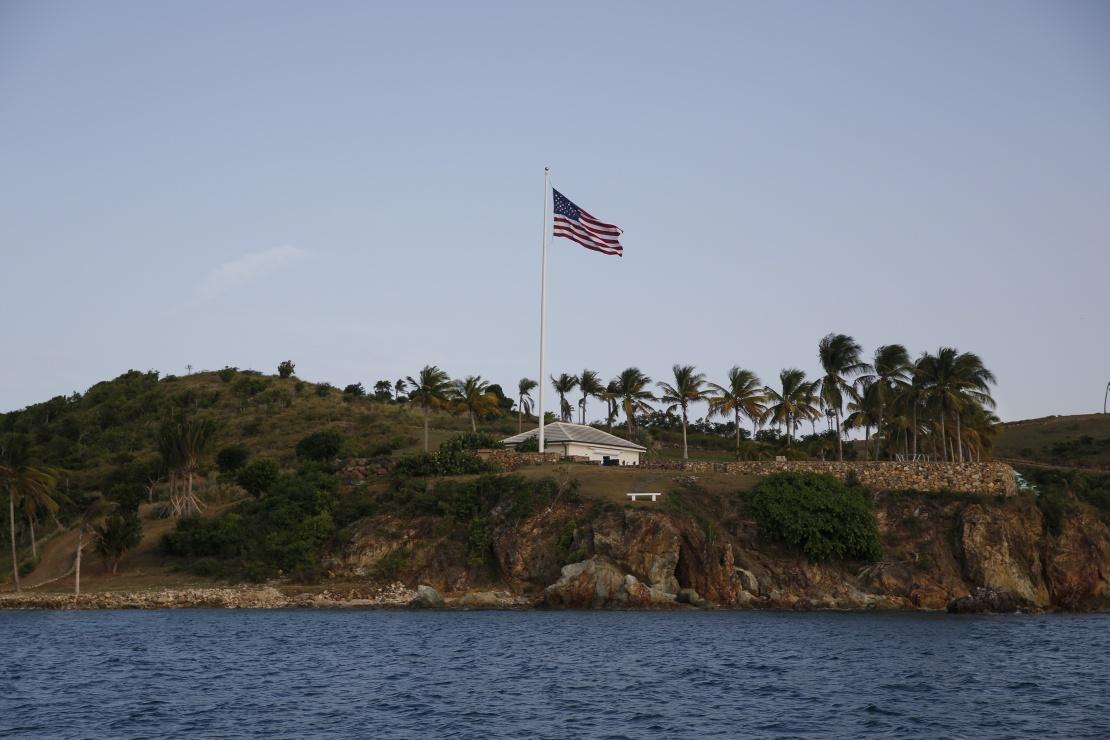 Острів Літл Сент-Джеймс, на якому Джеффрі Епштейн відпочивав і влаштовував оргії. 10 липня 2019 року.