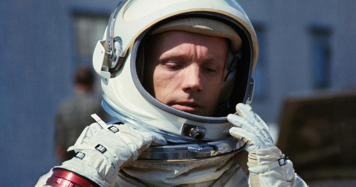 фото космонавта армстронга свой