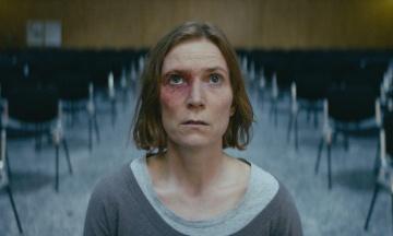 У прокат вийшов «Невинний» — фільм про жертву християнської секти. Ми подивилися його з віруючою християнкою і розповідаємо, як не потрапити в секту