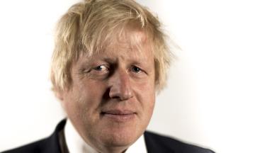 Бориса Джонсона запідозрили у брехні королеві Єлизаветі. Кажуть, він навмисне заблокував парламент, який не підтримував «жорсткий» Brexit