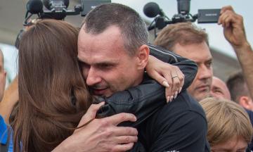 Кабмин выделит по 100 тысяч гривен помощи освобожденным из российского плена украинцам