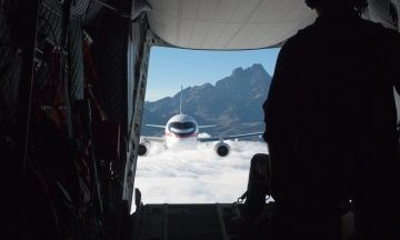 Єдиний європейський експлуатант російських літаків SSJ100 відмовився від їх використання