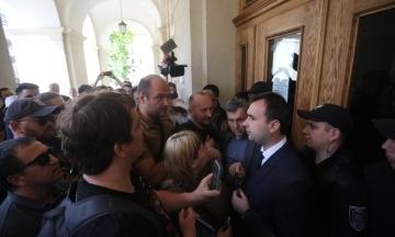 Руководителя аппарата Садового госпитализировали после избиения активистами