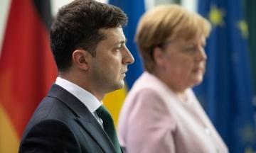 ОП планує розмову Зеленського з Меркель і Макроном. Узгоджують графіки сторін