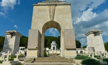 Польские львы на львовском кладбище спровоцировали дипломатический скандал