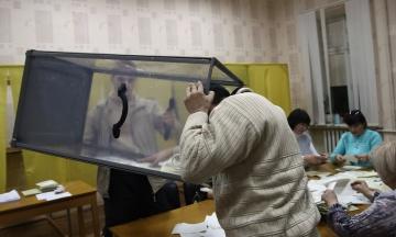 Кабмин утвердил санкционный список иностранцев, которые были задействованы на «выборах» президента в Крыму. Им запретят въезд в Украину