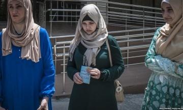 В Крыму закрыли уголовное дело против дочери политзаключенного по делу «Хизб ут-Тахрир» Гульсум Алиевой