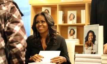 Книгу Мішель Обами продали накладом в 10 млн примірників. Її мемуари можуть побити рекорд серед автобіографій