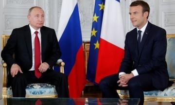 Bloomberg: Путін пообіцяв Макрону незабаром повідомити про стан Сенцова