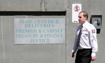 В Австралии более 10 посольств и консульств получили подозрительные посылки