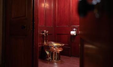 В Лондоне из особняка Уинстона Черчилля украли золотой унитаз