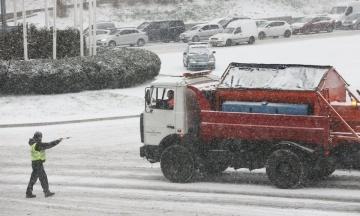 Негода в Україні: у Полтавську область направлять додаткові потяги, а в Черкасах закрили школи