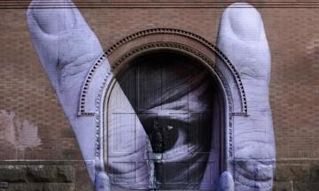 В Милане проходит выставка китайского «художника-невидимки»
