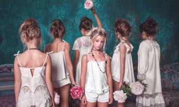 Фотосесія дівчат в Одесі: поліція розпочала провадження за статтею про виготовлення порнографії