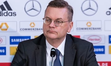 У Німеччині з посади пішов головний футбольний чиновник. Його звинуватили у приховуванні подарунку від Суркіса