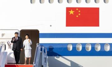 Зеленський запровадив тимчасовий безвіз для китайських туристів