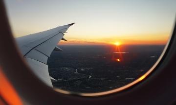 США разрешили своим авиакомпаниям летать в Харьков, Днепр и Запорожье. Эти города были под запретом с 2014 года