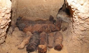 В Египте археологи обнаружили некрополь с 40 мумиями мужчин, женщин и детей
