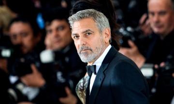 Правительство Венгрии раскритиковало Джорджа Клуни за слова о премьере Орбане. Актер ответил через местный сайт