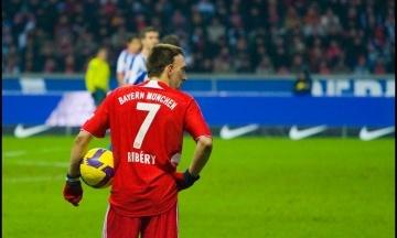 Журналіст звинуватив гравця «Баварії» у пропущених голах. І отримав удар у груди та ляпаси