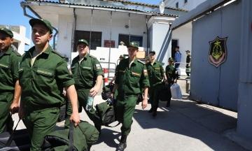 В окупованому Криму розпочали весняний призов. До російських військових частин планують направити 2500 осіб
