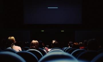 У Франції покажуть фільм про священика-педофіла. Його знімали таємно і двічі намагалися заборонити