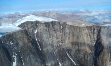 Ледник отступил в канадской Арктике, обнажив древние растения