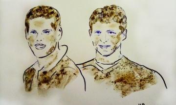 Художниця намалювала грудьми та брудом портрети російських футболістів, які влаштували бійку в Москві