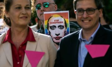 Российская ЛГБТ-сеть: В Чечне вновь массово задерживают геев и лесбиянок. Два человека умерли от пыток