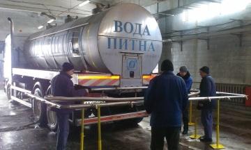 У Києві на Водохреща комунальники розвозитимуть освячену воду цистернами. Адреси