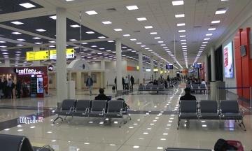РБК: В Росії через різке падіння рубля дорожчають авіаквитки