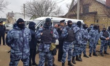 ФСБ сообщила о задержании 20 крымских татар после обысков в оккупированном Симферополе