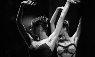 На фестивале BALLET OPEN SPACE выступают прима-балерина Нью-Йорк Сити балет и главные солисты Национальной оперы. Вот как выглядел генеральный прогон — в трех абзацах и 30 снимках