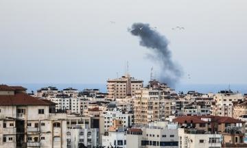 Ізраїль ракетним ударом знищив 11-поверхову будівлю в Газі, де були офіси Associated Press та інших ЗМІ