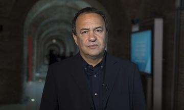 В Италии арестовали мэра города, который 20 лет принимал мигрантов. Теперь их выселят