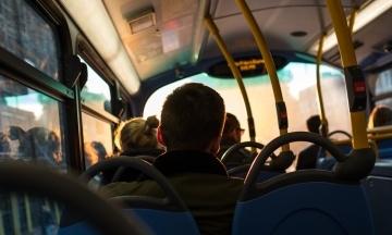 У Чернівцях депутати пропонують транслювати у громадському транспорті класичну музику. Вона має бути «спокійною і врівноваженою»
