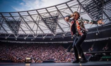 Вокаліста гурту The Rolling Stones Міка Джаггера успішно прооперували