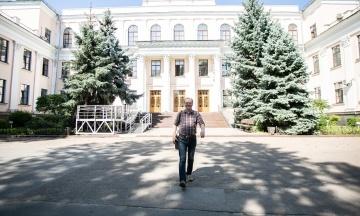 Кабмин назначил образовательным омбудсменом директора столичной школы № 148 Горбачева