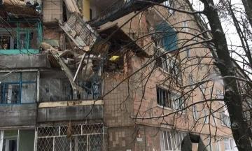 Взрыв в Фастове: пострадавший мужчина выпал с пятого этажа