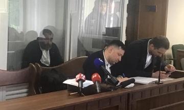 Суд віддав на поруки добровольця, який у Києві під час стрілянини поранив журналіста