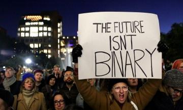 NYT: Трансгендери під ударом. Адміністрація Трампа хоче запровадити юридичне визначення статі
