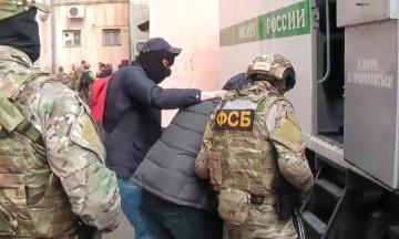 Уряд виплатить родинам 28 незаконно ув'язнених у Росії українців по 100 тисяч гривень допомоги