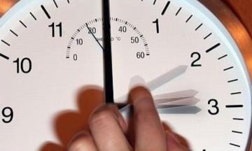 Юнкер: Європа повинна перейти на літній час назавжди