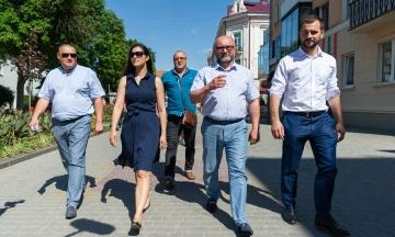 Як представники «Слуги народу» повинні відповідати на питання про Медведчука, Бандеру та генпрокурора Луценка