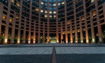 Во время карантина ограбили здание Европарламента. У депутатов исчезли компьютеры и планшеты