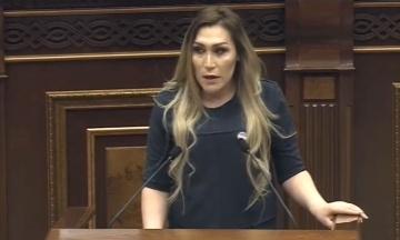 Активістка-трансґендер Ліліт Мартиросян поскаржилася на погрози після виступу в парламенті Вірменії