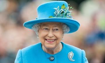 Елизавета II, Пеле и президент США. Французское радио ошибочно опубликовало некрологи ряда живых знаменитостей