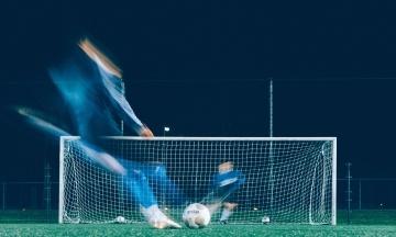 Президент футбольного союза Болгарии подал в отставку из-за расистских оскорблений ультрас, которые имитировали крики обезьян