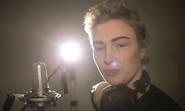 Співачка Приходько вимагає від Порошенка компенсацію у півмільйона гривень за оману
